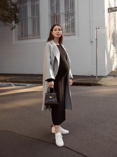 Maternity Style: knit dress with sneakers and long coat Cute Maternity Outfits, Stylish Maternity, Maternity Wear, Maternity Dresses, Maternity Fashion, Pregnancy Fashion, Maternity Style, Pregnancy Looks, Pregnancy Style