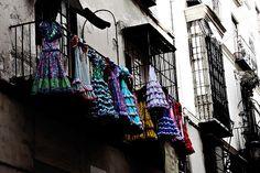 Waiting for the Fair - Calle Mariblanca - Málaga