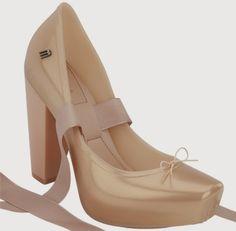 Estilosa E Vaidosa: MELISSA BALLET Ballet Heels, Melissa Shoes, Dream Shoes, Wedding Shoes, Wedges, Pairs, Plastic, Stuff To Buy, Dreams