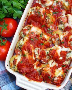 Pizza Stuffed Pasta Shells Jumbo Pasta Shells, Stuffed Pasta Shells, How To Make Pizza, Food To Make, Weeknight Meals, Easy Meals, Pasta Recipes, Cooking Recipes, Manicotti Recipe