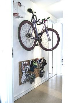 my scandinavian home: The lovely, relaxed home of a Danish studentwe need to think about bike storage and shoe storage. Bike Storage Apartment, Apartment Entry, Apartment Design, Bike Storage Solutions, Storage Hacks, Shoe Storage, Storage Ideas, Range Velo, Tiny House Big Living