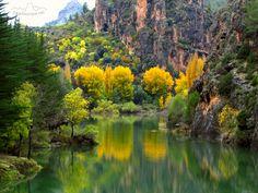 Embalse de la Vieja en el rio Zumeta, Sierra de Segura, Jaen, Andalucia, España