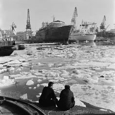 Wärtsilän Hietalahden telakka. Valkoinen laiva on m/s Ilmatar ja vasemmalla m/s Finnpartner. Helsingin kaupunginmuseo Volker von Bonin 1966