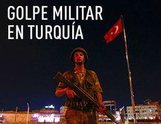 Un avión turco bombardea la plaza de Taksim en Estambul.