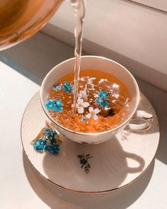 Cream Aesthetic, Classy Aesthetic, Flower Aesthetic, Aesthetic Collage, Aesthetic Food, Aesthetic Photo, Aesthetic Pictures, Flower Tea, Cute Food