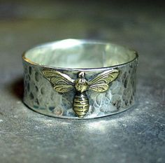 Bee Ring in Sterling Silver - Bee My Honey .from Lavender Cottage on Etsy - love hammered look. Bee Jewelry, Jewelry Box, Jewelery, Gold Jewellery, Indian Jewelry, Jewelry Ideas, Egyptian Jewelry, Yoga Jewelry, Jewelry Pouches