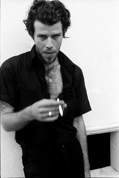 """The earth is not my home, I'm just passing by"" -Tom Waits. Photos by Neil Zlozower (1976)"
