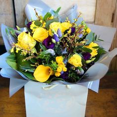 Send Get Well flowers with Bloom Magic! Let your loved ones know you are thinking of them with great flowers, bouquets & gift sets. Delivery throughout Ireland. Summer Flower Arrangements, Summer Flowers, Purple Flowers, Get Well Flowers, Send Flowers, Bouquet Flowers, Same Day Flower Delivery, Flower Beds, Gaia