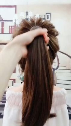 hairstyles for long hair videos .- stíleanna gruaige le haghaidh físeáin gruaige fada stíleanna gruaige le h… hairstyles for long hair videos hairstyles for long hair vid …, # Videos - Easy Hairstyles For Long Hair, Pretty Hairstyles, Braided Hairstyles, Wedding Hairstyles, Woman Hairstyles, Quinceanera Hairstyles, Stylish Hairstyles, Hairstyle Short, Updo Hairstyle