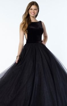 Alyce Prom 6792 For beautiful, designer gowns you can count on Alyce Paris as a fashion leader in the industry. Tulle Ball Gown, Ball Dresses, Evening Dresses, Evening Attire, Stunning Prom Dresses, Elegant Ball Gowns, Prom Dress Stores, Homecoming Dresses, Formal Prom