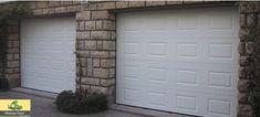 Porte de Garage blanche, sectionnelle Plafond sur mesure, motorisée, motifs Cassettes : Largeur : 2295 mm x Hauteur : 2265 mm.