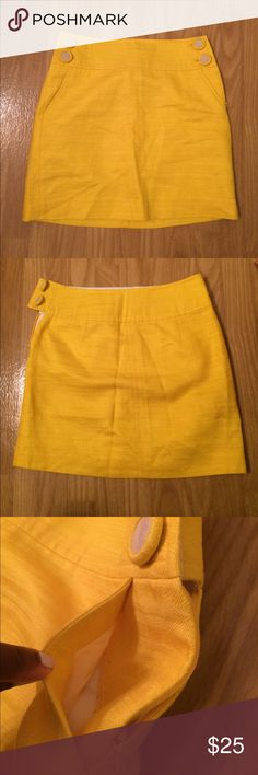 Banana Republic yellow sailor skirt Banana Republic skirt • yellow • sailor style • slant side pockets • 4 decorative front buttons • side zip intact & works well • petite Sz 00P • excellent, like-new condition • fast same/next day shipping • BUY IT NOW!!! Banana Republic Skirts Mini