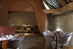 La Brasserie des Haras. Cadre exceptionnel, dans un bâtiment de caractère au riche passé historique. Superbe hôtel **** attenant, moderne et intimiste.  http://www.les-haras.fr
