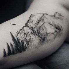 What does mountain tattoo mean? We have mountain tattoo ideas, designs, symbolism and we explain the meaning behind the tattoo. Tattoo Life, Tattoo Motive, Diy Tattoo, Get A Tattoo, Tattoo Outline, Tattoo On Hip, Inside Bicep Tattoo, Tattoo Black, Tattoo Art