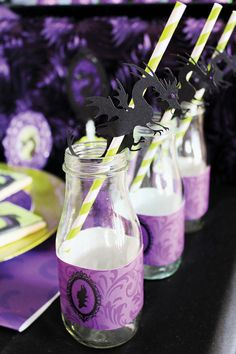 Maleficent party ideas - A Maleficent inspired dessert table by Michelle's Party Plan-It to celebrate the new Disney movie in theatres. Maleficent Party, Maleficent Dragon, Dragon Birthday, Dragon Party, Theme Halloween, Disney Halloween, Villains Party, Disney Villains, Sleeping Beauty Party