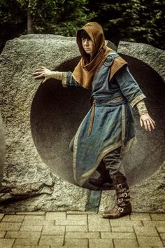 Skyrim Cosplay, Skyrim Mage, Skyrim Costume, Fantasy Male, Fantasy Armor, Medieval Fantasy, Dungeons And Dragons Characters, Fantasy Characters, Larp