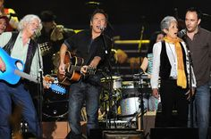 Arlo Guthrie, Bruce Springsteen, Joan Baez and Dave Matthews perform at a benefit concert celebrating    Pete Seeger's 90th birthday at Madison Square Garden in New    York on May 3, 2009. The concert is a benefit for Hudson River Sloop Clearwater,    created by Pete Seeger to preserve  ... moreand protect the Hudson    River