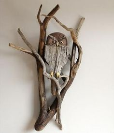 Driftwood Owl Wall Sculpture Vincent richel H x W x D. Ebony and Yellow Heart eyes with feather accents. Driftwood Sculpture, Driftwood Art, Driftwood Wreath, Art Pierre, Driftwood Projects, Driftwood Ideas, Owl Crafts, Wood Creations, Owl Art