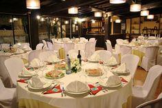 Salón Piscina con capacidad para 55 personas donde celebrar tu banquete de Boda, Primera Comunión o Bautizo en Santiago de Compostela y comarca