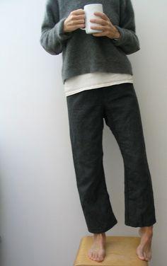 (via minimalist fashion / le bouton | japanese style pants)