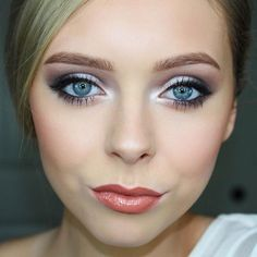 Simple to Dramatic Bridal Makeup Look! Used Urban Decay Naked 2 palette: Tease in crease, busted on outer corner and outer eyelid, then blackout on outer corner, added booty call on inner part of eyelid topped with Colourpop eyeshadow in fanny pack
