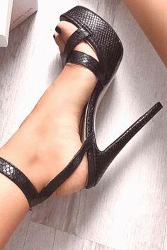 high heels – High Heels Daily Heels, stilettos and women's Shoes Platform High Heels, Black High Heels, High Heel Boots, Heeled Boots, Heeled Sandals, Strappy Sandals, Black Boots, Cute Shoes, Me Too Shoes