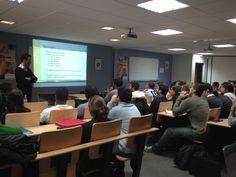 Première conférence des mardi de la finance Ecole de commerce spécialisée en #Finance. L'intervenant de ce soir est Pierre Sarton du Jonchay, consultant en économie de la décision et en organisation financière. #Banque #Risques