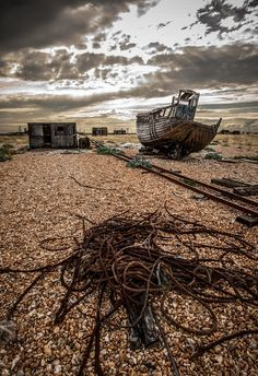 abandoned, boat, hut, cables, Dungeness