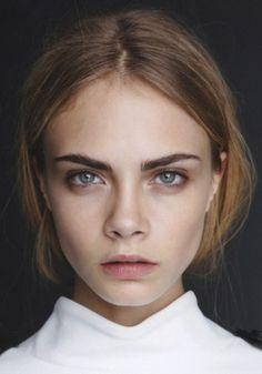 Модель Кара Делевинь (Cara Delevingne)