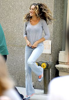 It could have been a shampoo commercial (that hair!) but Sarah Jessica Parker shot scenes for Billy on the Street in NYC Aug. 5. #celebritystyle #celebrity