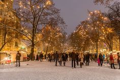The Christmas Market Season has started! Here´s a List of the Top 5 Christmas Markets in Berlin. Which is your favourite?