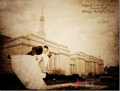 I love the antique feel on this photo... it reminds me of the photos my mom finds with her genealogy research :)