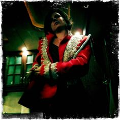 LP in Prince Charming's jacket! SuperAwesome pic taken by the talented @ginnygoodwin bck on the pilot! #OnceAUponTime