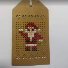 Stoffenwinkel Moi Mi en t Wolpunt in Vroomshoop,voor bruidsstoffen -kledingstoffen - kinderstoffen - quiltstoffen - bedrukte katoen - tilda - stenzo - dapper - fournituren - wol - katoen - naaiartikelen en heel veel meer.... Christmas Perler Beads, Cross Stitch Christmas Ornaments, Christmas Embroidery, Christmas Cross, Hand Embroidery Stitches, Cross Stitch Embroidery, Cross Stitch Patterns, Cross Stitch Cards, Cross Stitching