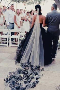 40 Soft Gothic Wedding Ideas: Dramatic and Chic | HappyWedd.com