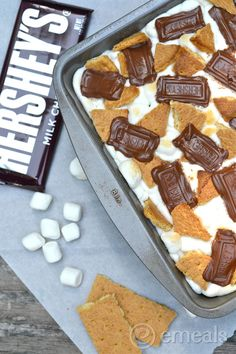 S'mores Brownies sweets dessert treat recipe chocolate marshmallow party munchies yummy cute pretty unique creative food porn cookies cakes brownies I want in my belly ♥ ♥ ♥ Brownie Desserts, Smores Brownies, Just Desserts, Delicious Desserts, Dessert Recipes, Yummy Food, Dessert Healthy, Yummy Treats, Sweet Treats