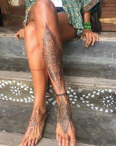 [35+] Beautiful Leg Tattoos for Girls - New Designs - Tattoos for Girls Henna Tattoo Designs, Tatoo Henna, Mandala Tattoo, Tattoo Ideas, Henna Mehndi, Trendy Tattoos, Unique Tattoos, Beautiful Tattoos, Small Tattoos