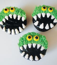 Google Image Result for http://www.frillscakeshop.com/images/gallery/holiday/monsterCupcakes01.jpg