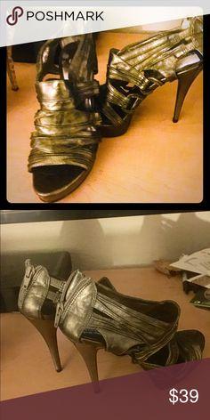 0ef1654a2588 Santana Heels Bronze size 6 with peep toes