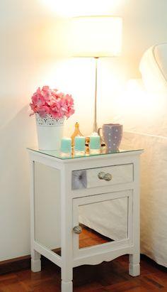 white/light/flowers