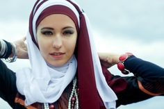 We've seen this hijab styles many times but this colour combo probably does the most justice to it!