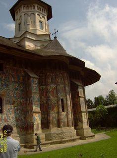 Igreja Ortodoxa - Roménia  Caminhos & Labirintos