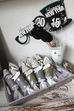 """""""Happy New Year 2015"""" - Stampin´ Up! Artisan DesignTeam BlogHop 01.01.2015 - Silvester-Deko mit viel Gold und Silber und Glitzerpapieren Detailbild7"""