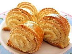 Very tasty rolls! And is ready quickly! Russian Cakes, Russian Desserts, Russian Recipes, Sweet Pastries, Bread And Pastries, Good Food, Yummy Food, Saveur, Fun Desserts