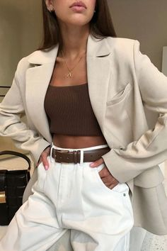 clothes Simple White Jeans Outfits to Copy Now Outfitting Ideas Mode clothes Copy ideas Jeans Outfit ideen outfits Outfitting Simple WHITE Outfit Jeans, Outfit Chic, Geek Outfit, Mode Outfits, Jean Outfits, Fashion Outfits, Girl Outfits, White Outfits, Office Outfits