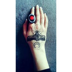 Līga Tiesniece (@eyebeka) • Instagram photos and videos Moth Tattoo, Black Henna, Henna Tattoos, Skull, Photo And Video, Videos, Instagram Posts, Photos, Pictures