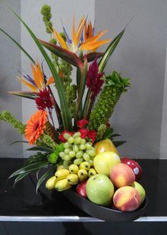 95 best images about artificial Tropical Floral Arrangements, Fruit Arrangements, Beautiful Flower Arrangements, Beautiful Flowers, Fruit Flower Basket, Fruit Flowers, Flower Boxes, Vegetable Bouquet, La Trattoria