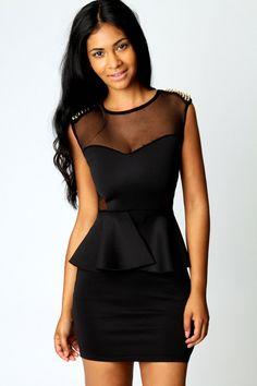 VESTIDO CON PINCHOS Color: Blanco, Negro, Rojo Talla: 36-S, 38-M, 40-L, 42-XL Precio: 19.99€ www.cocoylola.es #cocoylola #moda #vestidos #tiendaonline #shop #españa