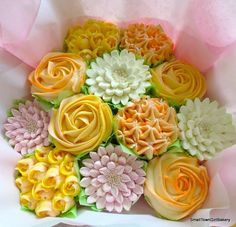 mellow yellow cupcake bouquet