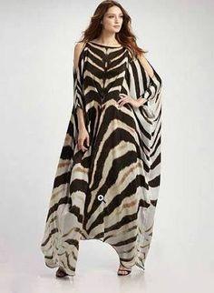 zebra print kaftan - maybe too much zebra but pretty cut. Kaftan Style, Caftan Dress, Estilo Hippy, Mode Abaya, Modelos Plus Size, Animal Print Fashion, Maxi Robes, Silk Gown, African Dress